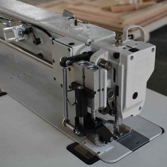 縫紉機機頭
