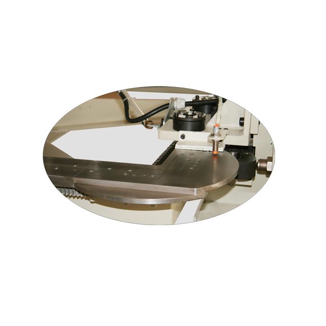 FB4A 床墊縫紉圍邊機